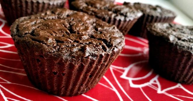 Chocolate zucchini muffins (vegan & gluten-free)
