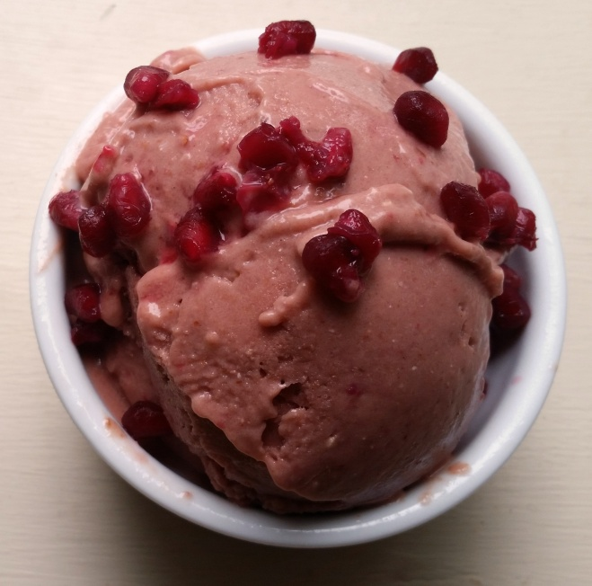 pomegranate-strawberry sorbet (vegan, no added sugar)