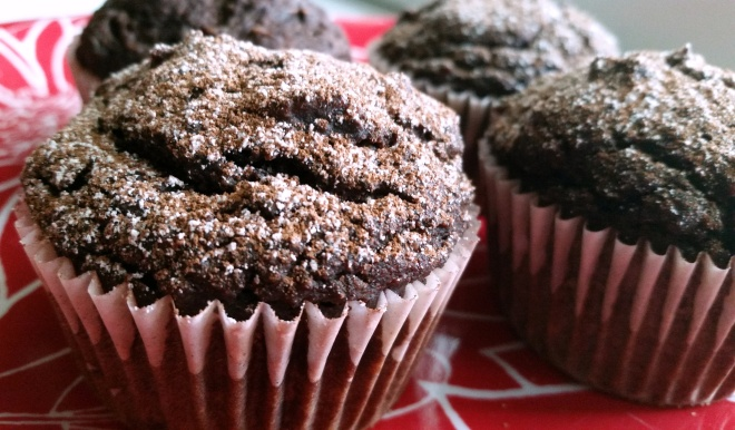 chocolate-almond zucchini muffin (vegan)