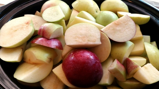 sliced apples in crockpot
